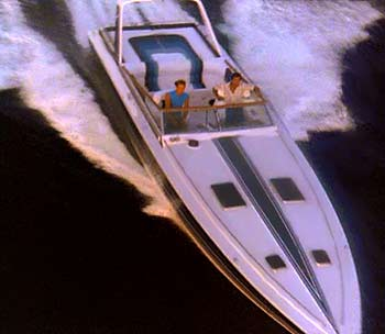 http://www.peevishmama.com/wp-content/uploads/2009/04/miami_vice_1983_chris_craft_stinger1.jpg
